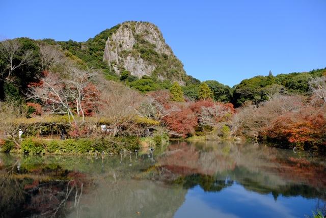 紅葉の季節の御船山楽園。