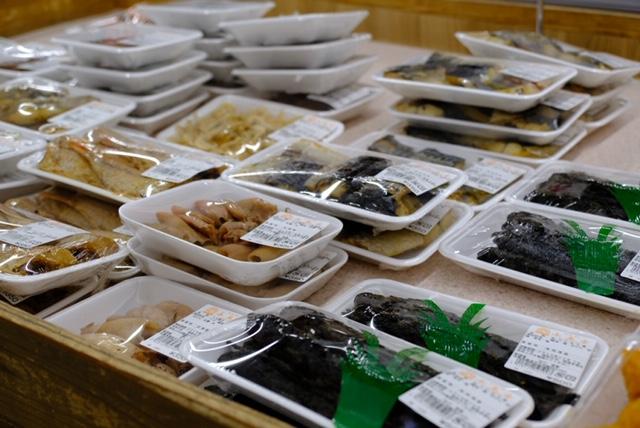 道の駅「唐津」ではムツゴロウを使ったお惣菜も販売